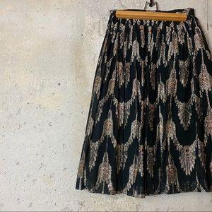 Vintage black full a line skirt metallic gold